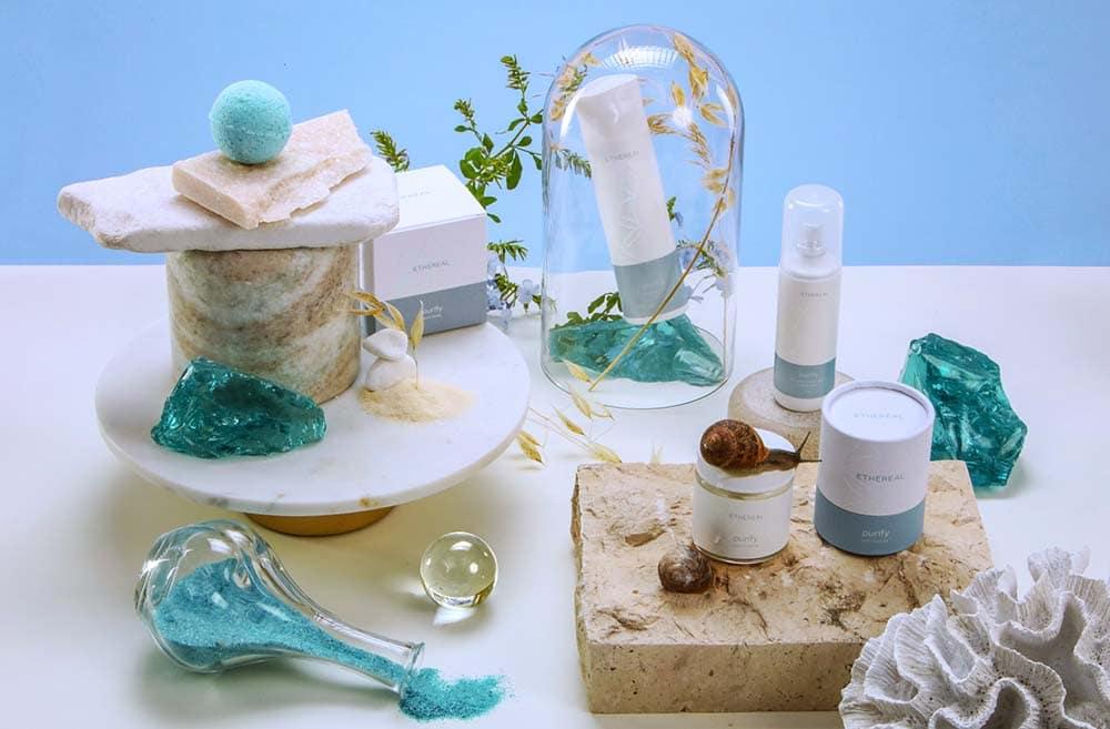 σύνθεση με τα προιοντα της σειράς purify με άρωμα white musk